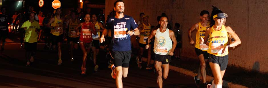 parana-running-unimed-night-run-agua-disposicao-p